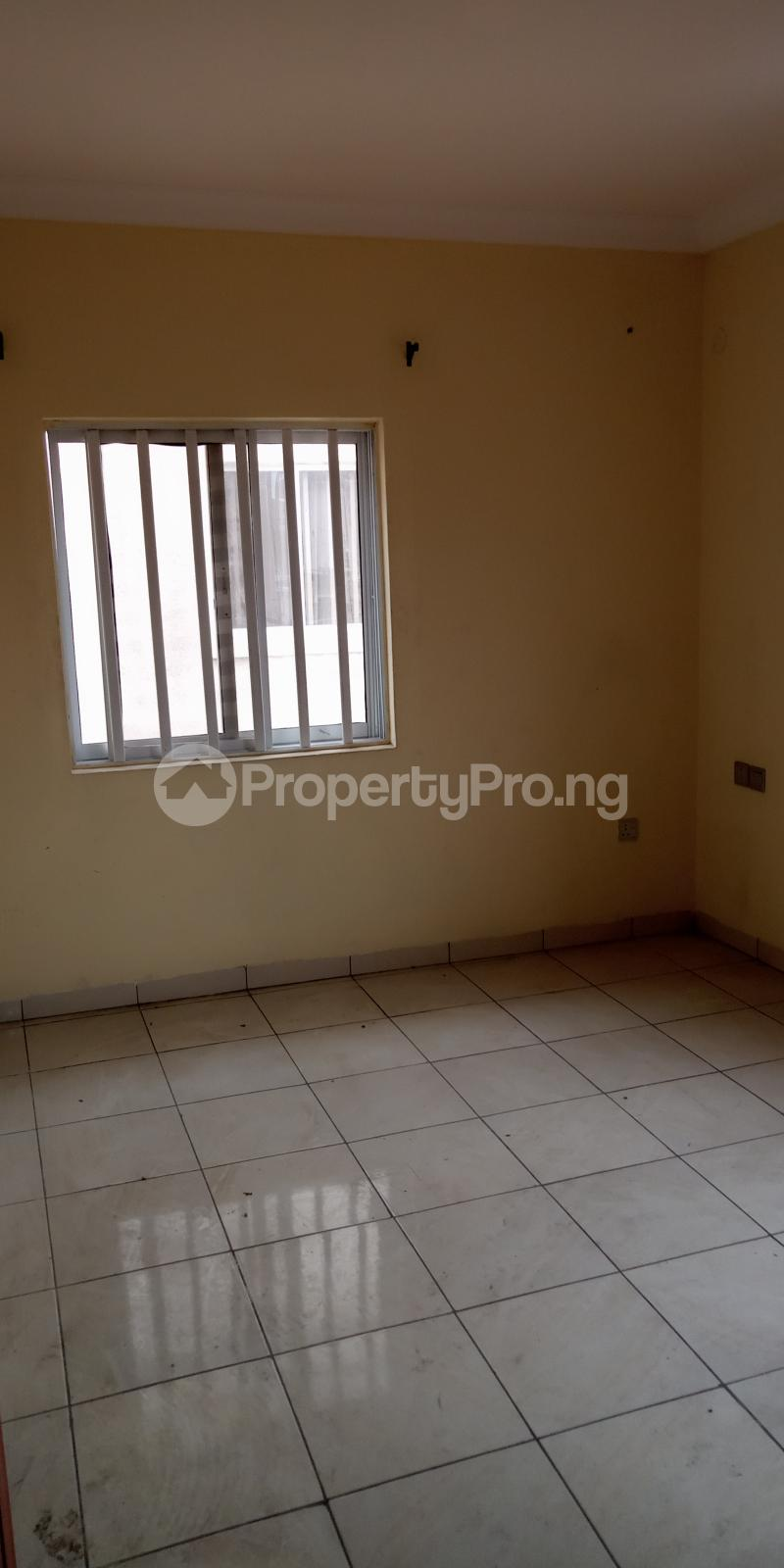 3 bedroom Flat / Apartment for rent Alagomeji Alagomeji Yaba Lagos - 2