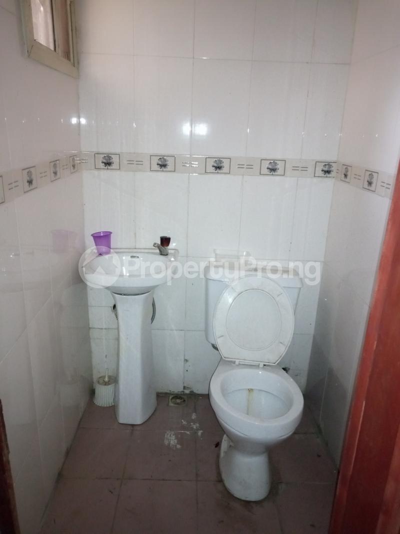 3 bedroom Flat / Apartment for rent Ebute metta Adekunle Yaba Lagos - 3