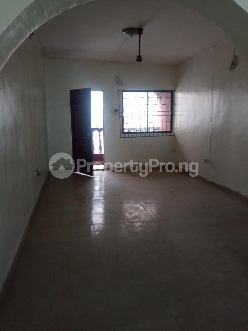 3 bedroom Flat / Apartment for rent Folagoro Fola Agoro Yaba Lagos - 5