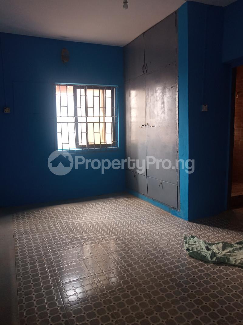 3 bedroom Flat / Apartment for rent Folagoro Fola Agoro Yaba Lagos - 4