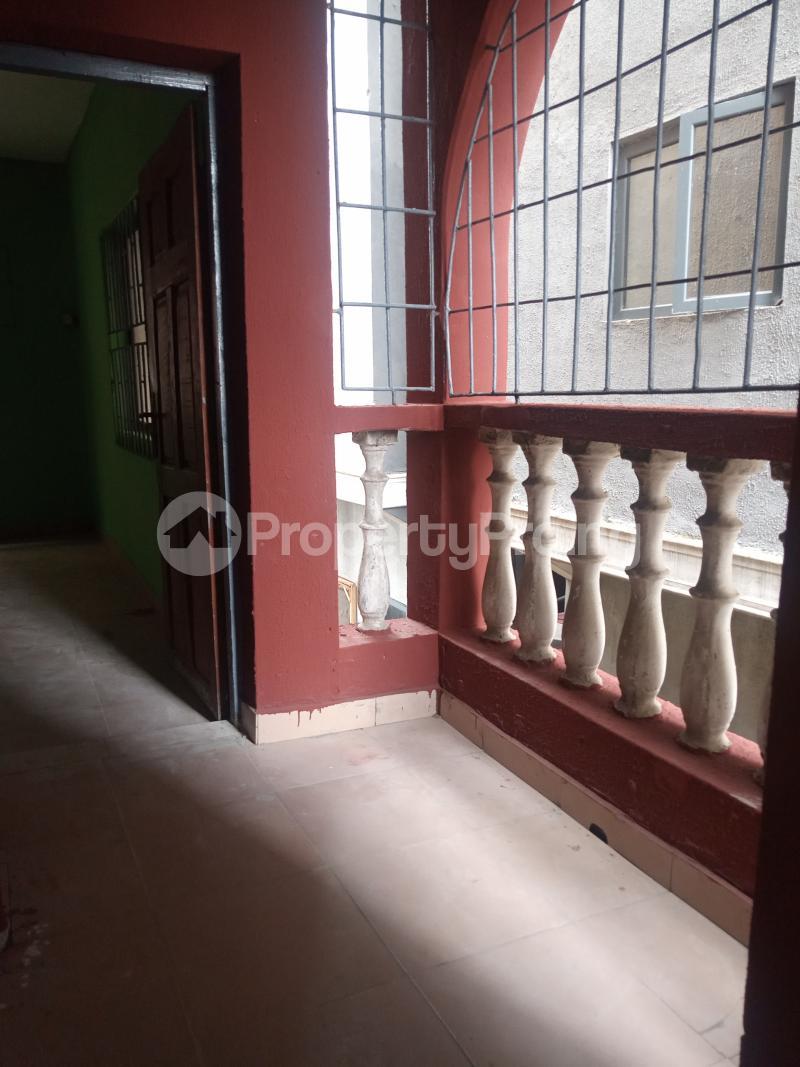 3 bedroom Flat / Apartment for rent Folagoro Fola Agoro Yaba Lagos - 2