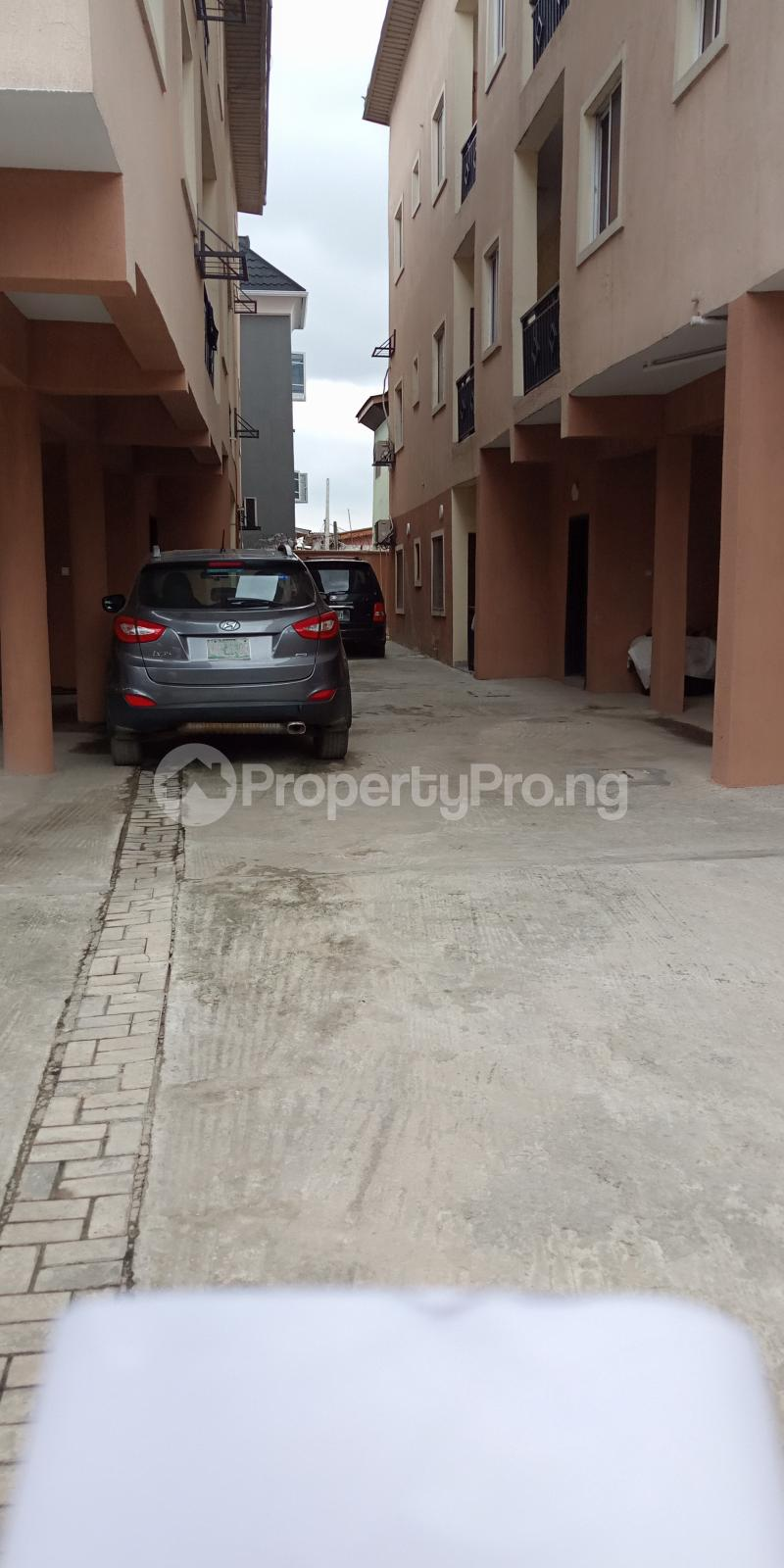 3 bedroom Flat / Apartment for rent Alagomeji Alagomeji Yaba Lagos - 9