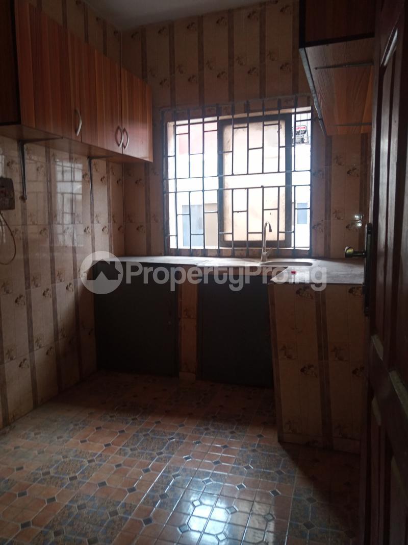 3 bedroom Flat / Apartment for rent Folagoro Fola Agoro Yaba Lagos - 10