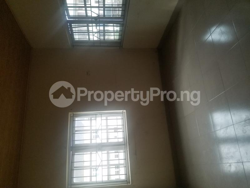 3 bedroom Blocks of Flats House for rent Runview estate  Ajao Estate Isolo Lagos - 1