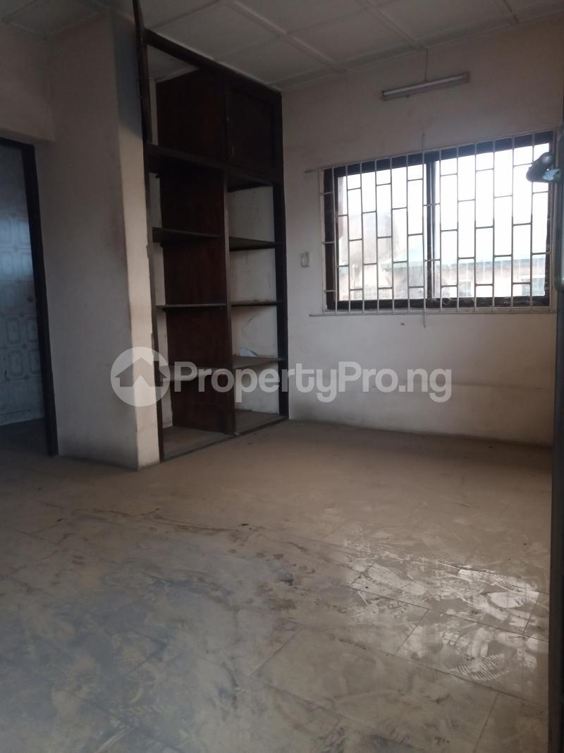 3 bedroom Office Space for rent Adekunle Alagomeji Yaba Lagos - 5