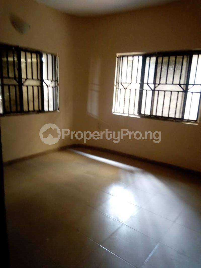 3 bedroom Blocks of Flats House for rent Idi Ape Ibadan Oyo - 6