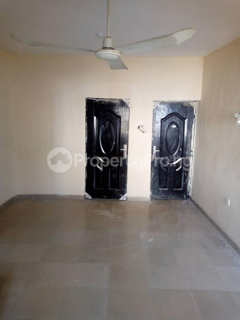 3 bedroom Blocks of Flats House for rent Idi Ape Ibadan Oyo - 5
