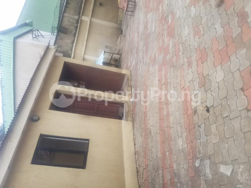 4 bedroom Semi Detached Duplex House for rent Balogun close off sholanke road Ajao Estate Isolo Lagos - 2