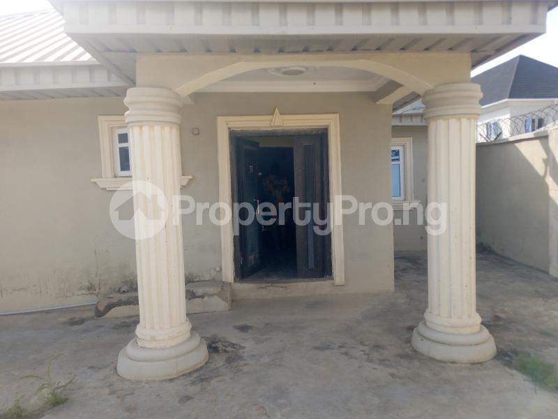 4 bedroom Detached Bungalow House for rent Oke Ibukun Estate Elebu. Akala Express Ibadan Oyo - 12