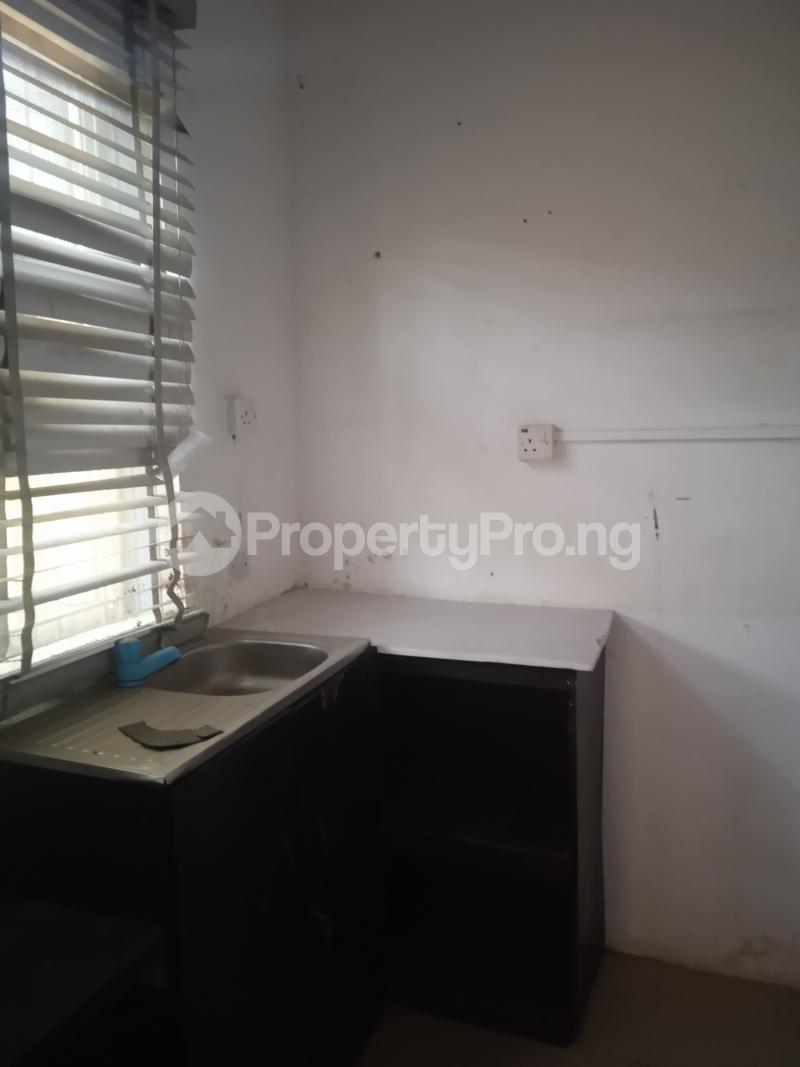 1 bedroom mini flat  Flat / Apartment for rent Babatunde Street Ogunlana Surulere Lagos - 1