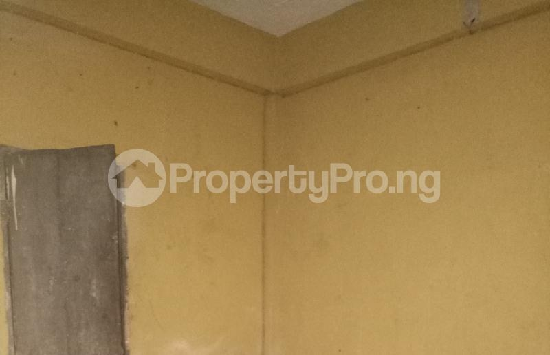 Self Contain Flat / Apartment for rent - Adekunle Yaba Lagos - 3