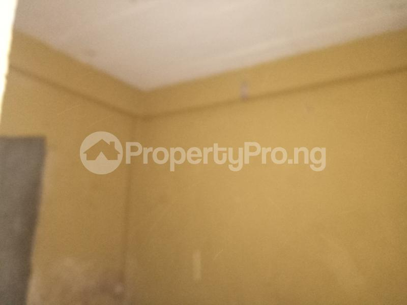 Self Contain Flat / Apartment for rent - Adekunle Yaba Lagos - 2