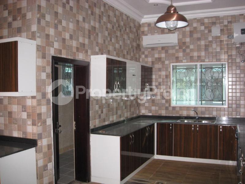 6 bedroom Massionette House for sale Gwarinpa Abuja - 3