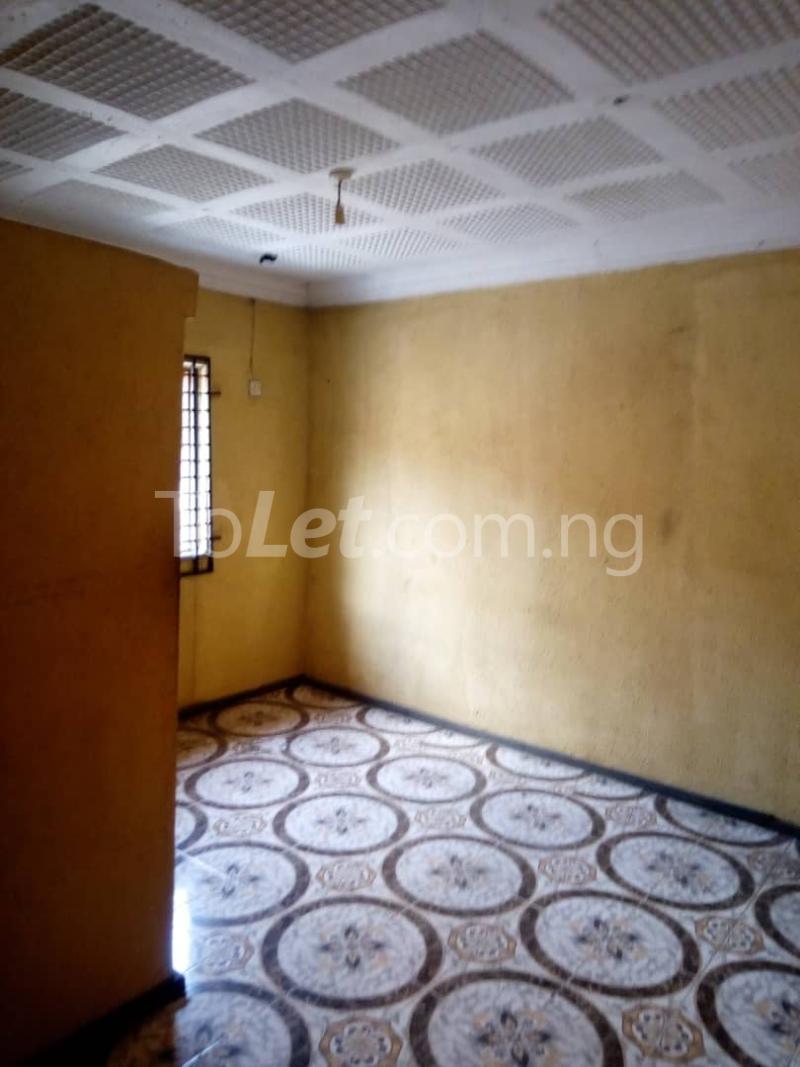 3 bedroom Flat / Apartment for rent Olukole Ogunlana Surulere Lagos - 2