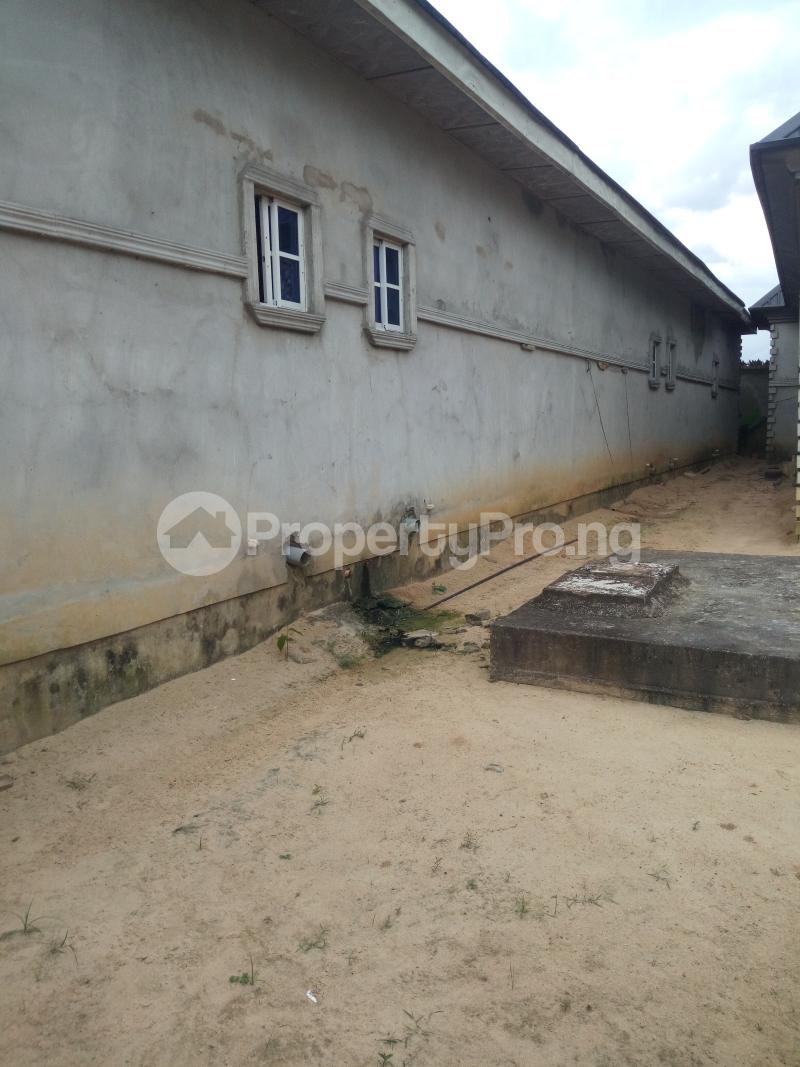 3 bedroom Detached Bungalow House for sale Ozuoba off NTA Rd Magbuoba Port Harcourt Rivers - 4