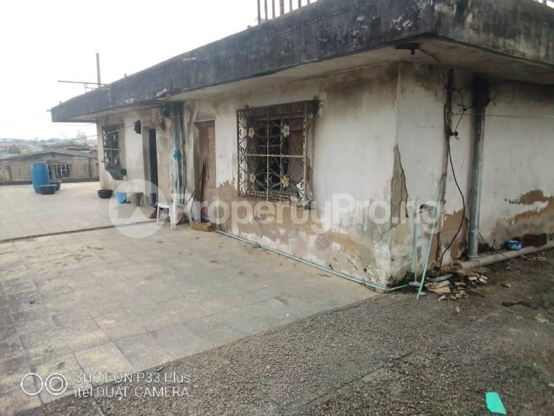 2 bedroom Flat / Apartment for sale Off Ogunlana ijesha Ijesha Surulere Lagos - 3