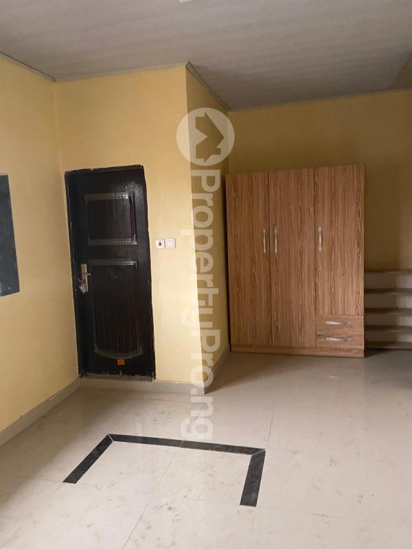 3 bedroom Shared Apartment Flat / Apartment for rent Atunrase Medina Gbagada Lagos - 4