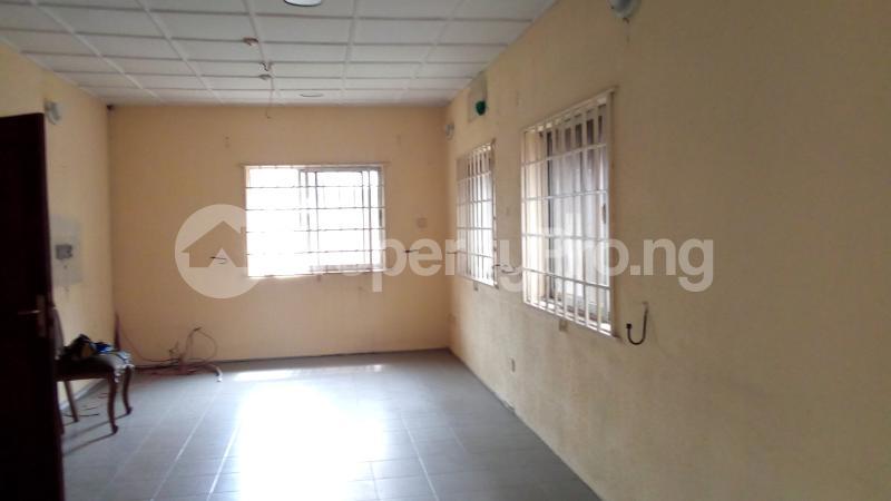3 bedroom Detached Bungalow House for sale Medina Estate Atunrase Medina Gbagada Lagos - 7