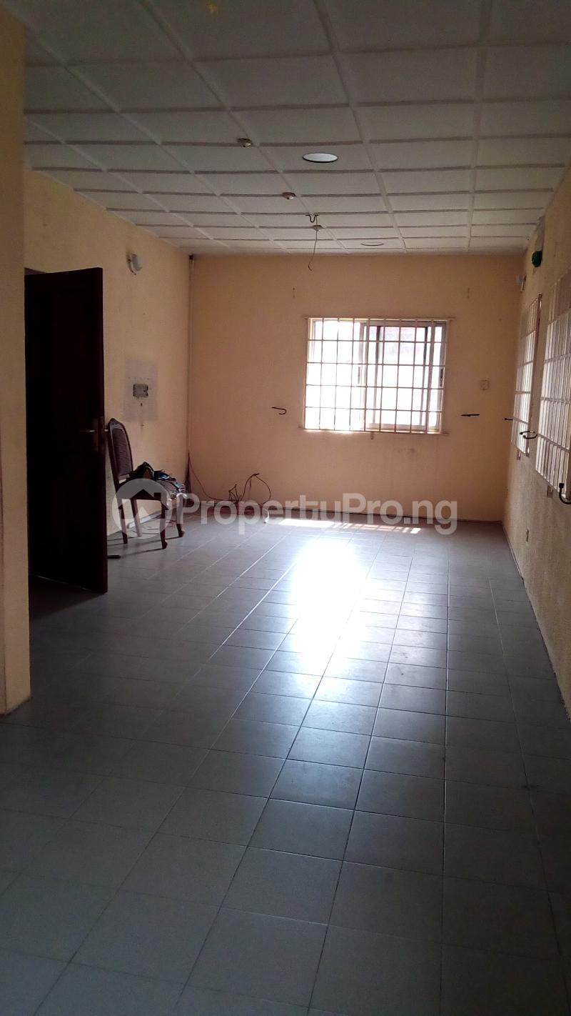 3 bedroom Detached Bungalow House for sale Medina Estate Atunrase Medina Gbagada Lagos - 8