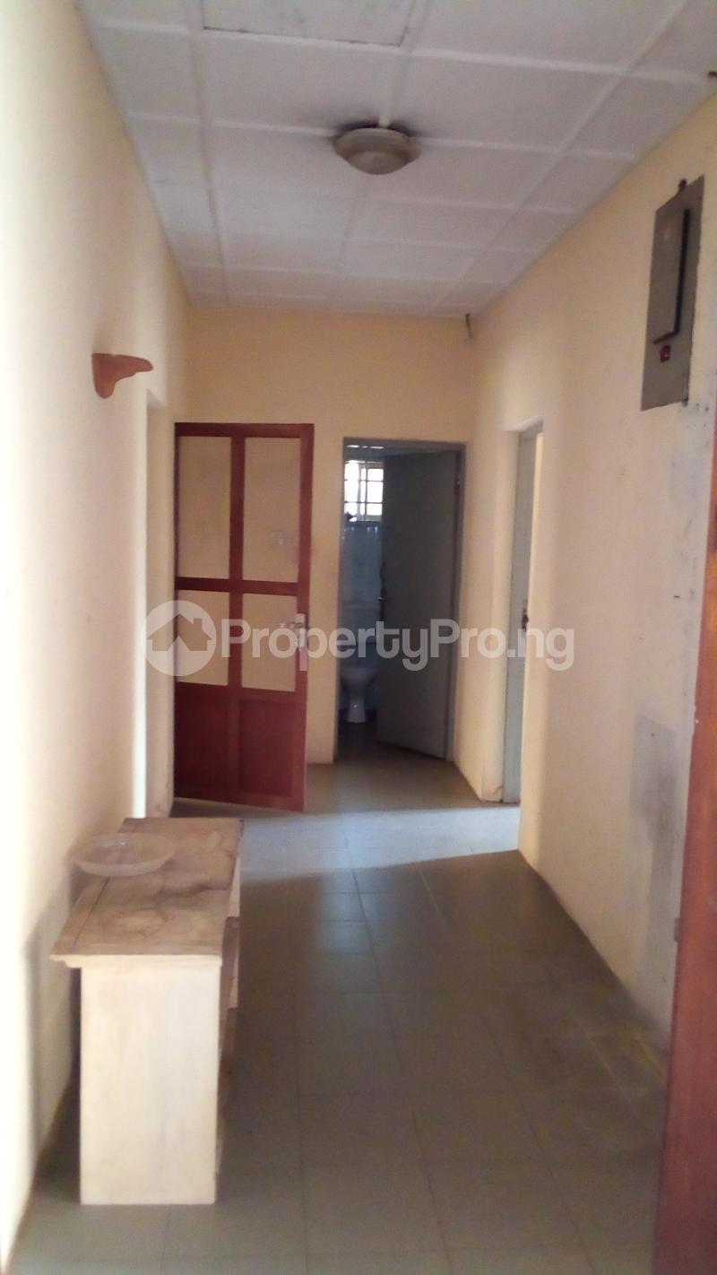 3 bedroom Detached Bungalow House for sale Medina Estate Atunrase Medina Gbagada Lagos - 9