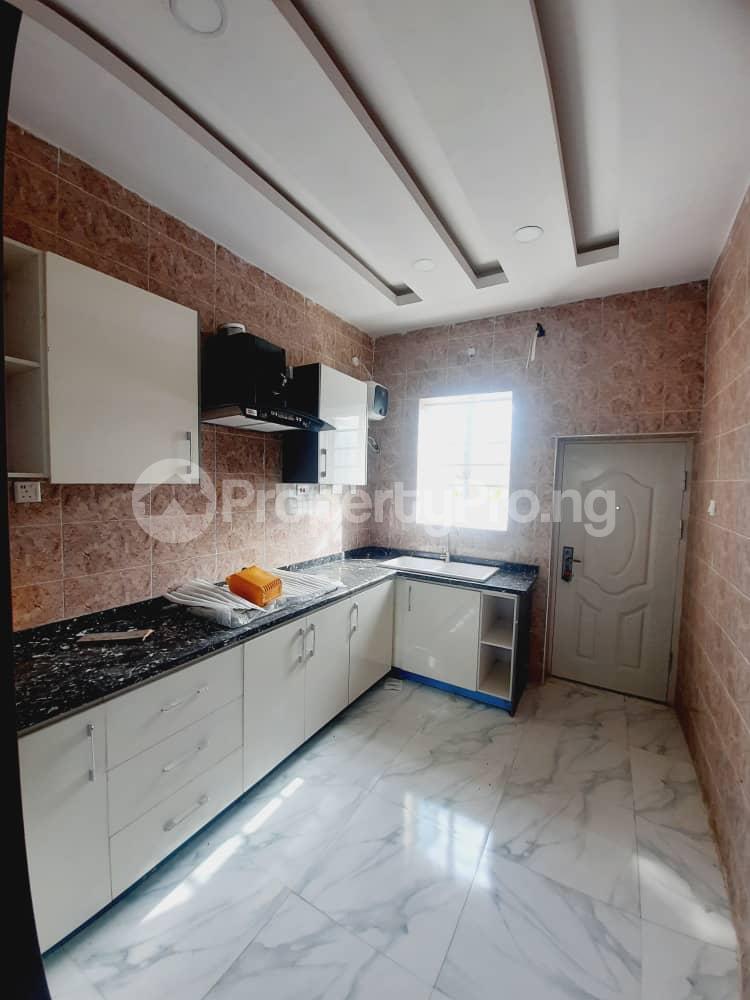 4 bedroom Semi Detached Duplex House for sale Ajah Lekki Phase 2 Lekki Lagos - 4