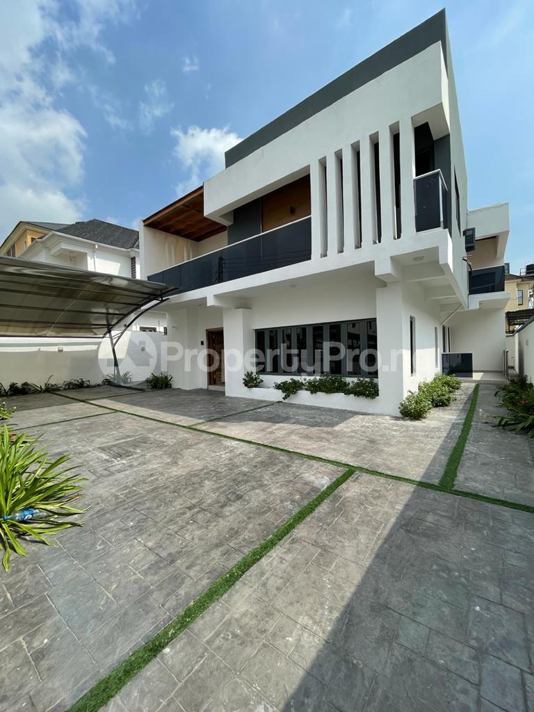 4 bedroom Detached Duplex for sale chevron Lekki Lagos - 0