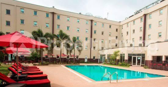 10 bedroom Hotel/Guest House Commercial Property for sale Ajao estate along airport road oshodi Lagos. Airport Road Oshodi Lagos - 2