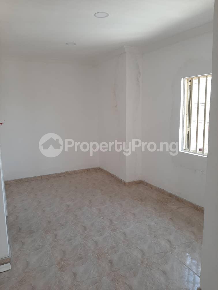 2 bedroom Flat / Apartment for rent Medina Estate, Gbagada, Lagos. Medina Gbagada Lagos - 5