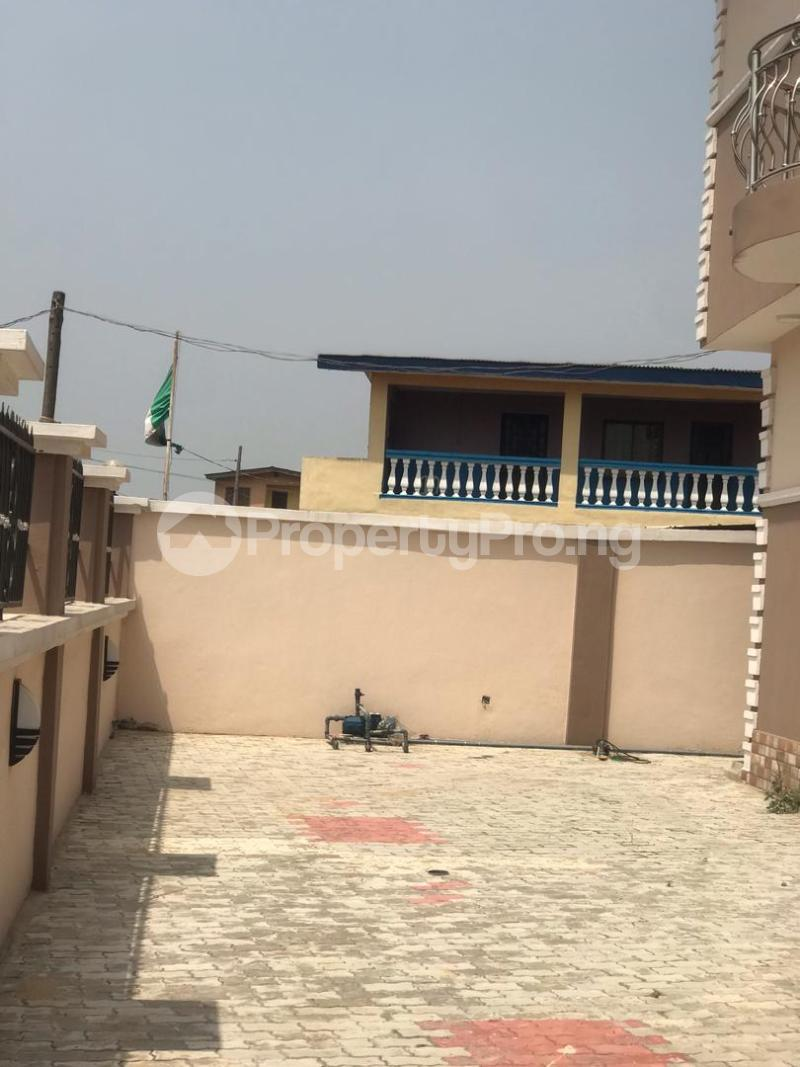 4 bedroom Detached Duplex House for sale CHURCH STREET KETU ALAPERE  Ketu Lagos - 5