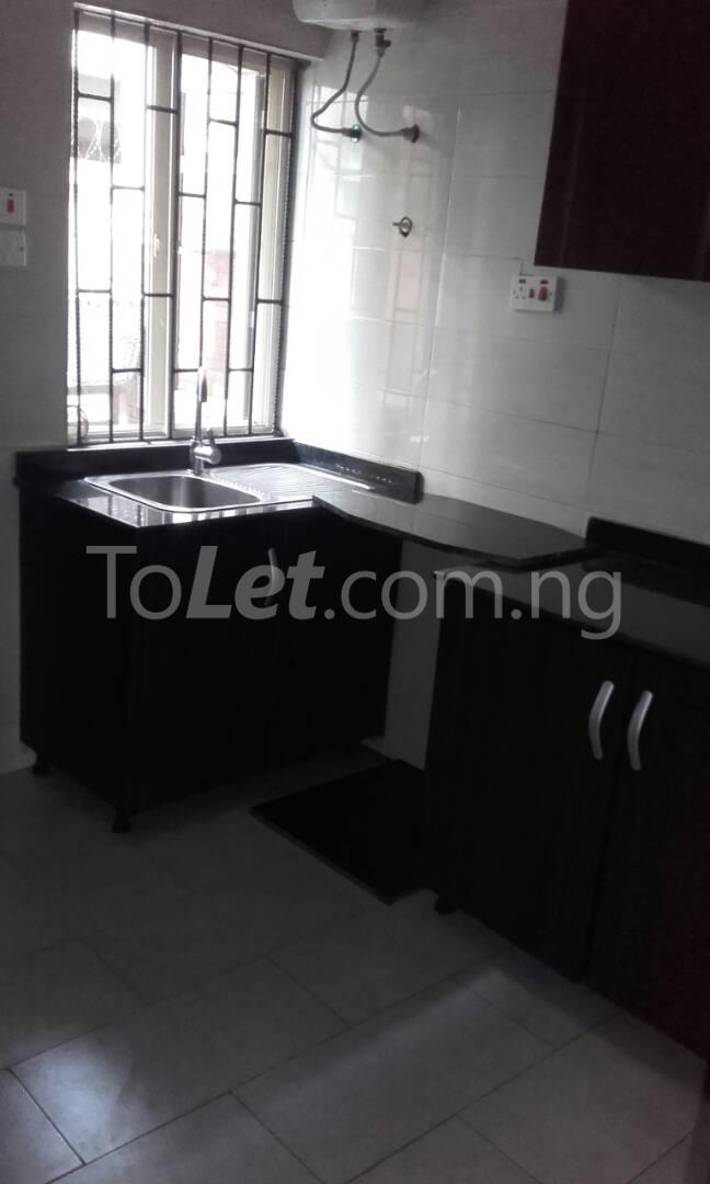 2 bedroom Flat / Apartment for rent Off Adelabu Adelabu Surulere Lagos - 3