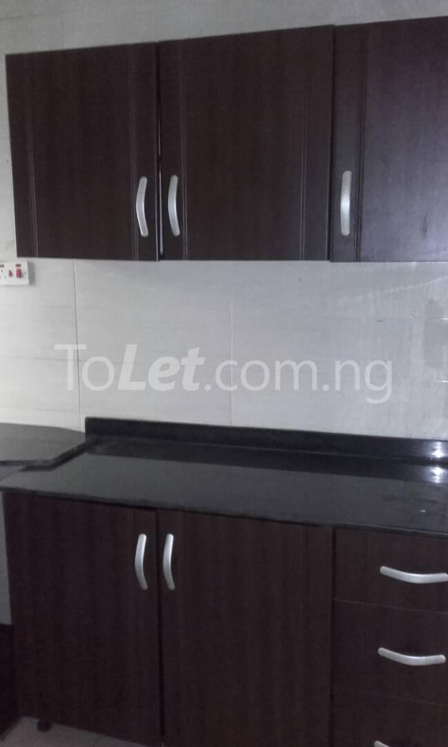 2 bedroom Flat / Apartment for rent Off Adelabu Adelabu Surulere Lagos - 5