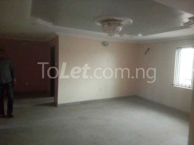 2 bedroom Flat / Apartment for rent Off Adelabu Adelabu Surulere Lagos - 2