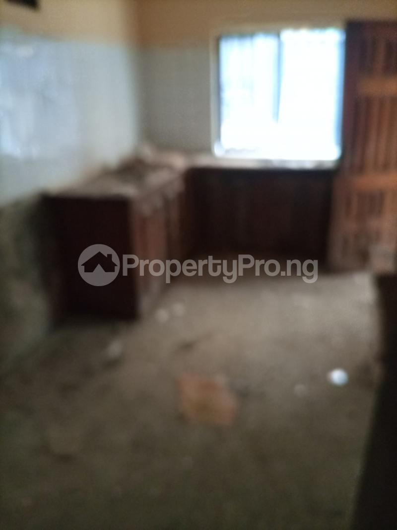 3 bedroom Flat / Apartment for rent Jemtok Ago palace Okota Lagos - 5