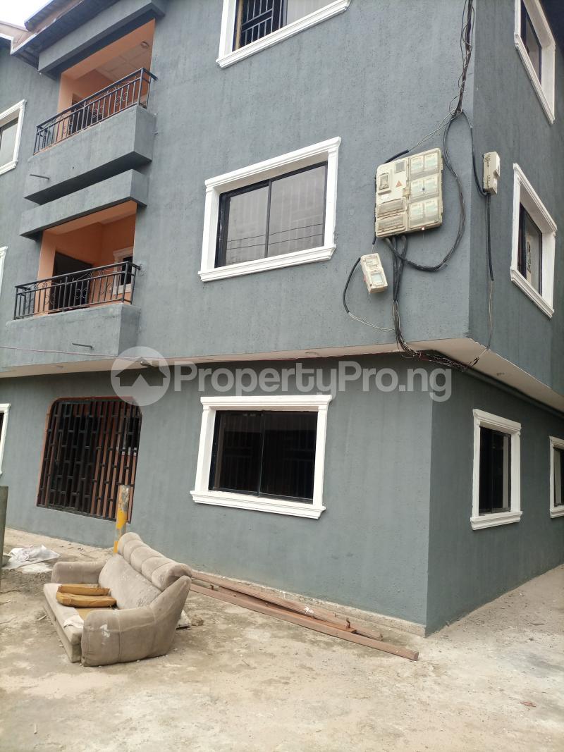 3 bedroom Flat / Apartment for rent Jemtok Ago palace Okota Lagos - 0