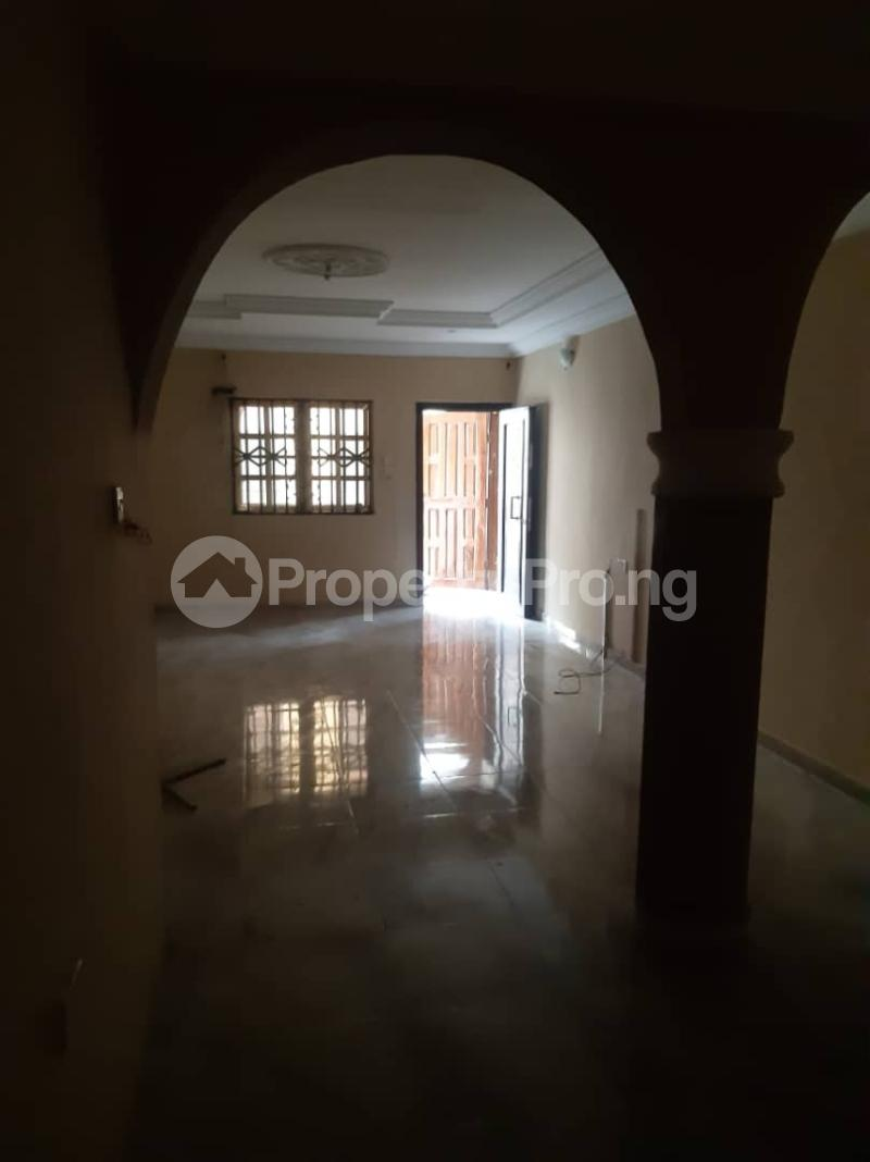 3 bedroom Flat / Apartment for rent Off Pedro Road, Famous Bus Stop Palmgroove Shomolu Lagos - 11