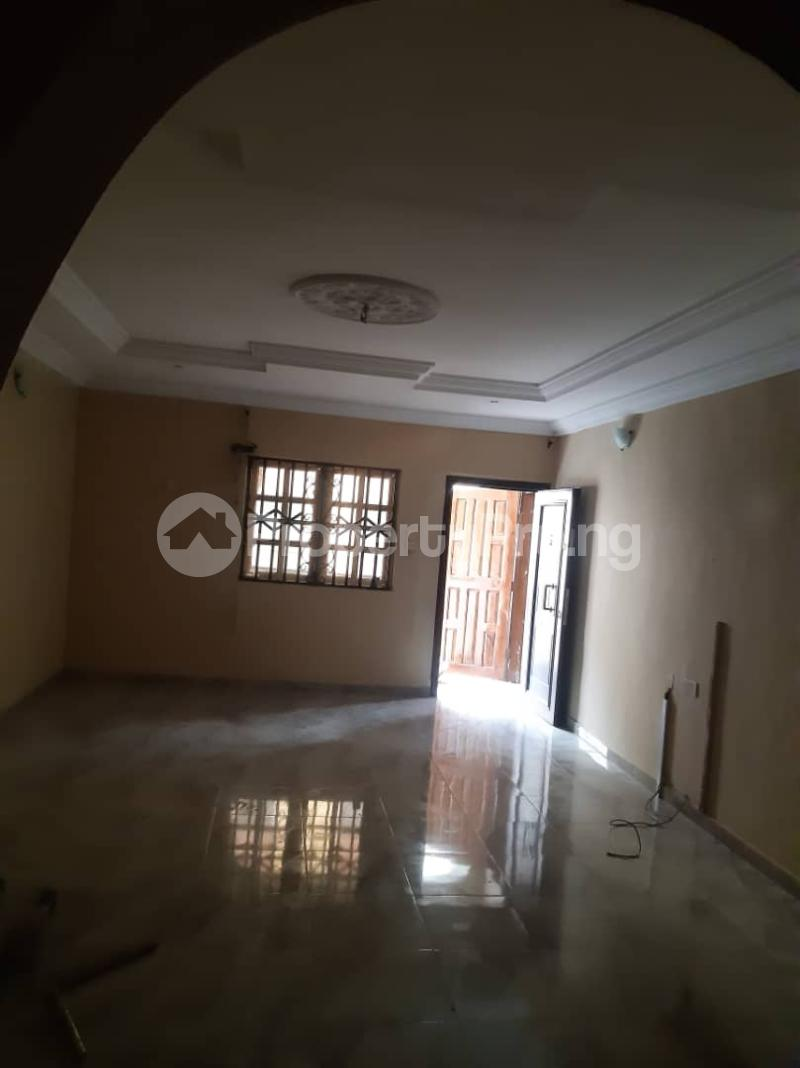 3 bedroom Flat / Apartment for rent Off Pedro Road, Famous Bus Stop Palmgroove Shomolu Lagos - 10