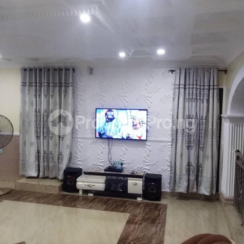 5 bedroom Detached Bungalow House for sale OBALOGUN STREET BEHIND NAVY SCHOOL, IFE  Ife Central Osun - 3