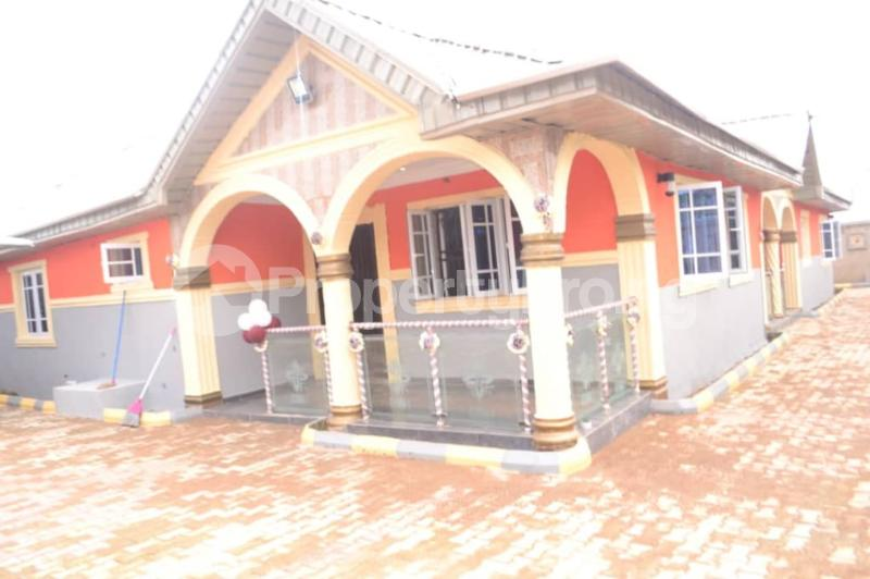 5 bedroom Detached Bungalow House for sale OBALOGUN STREET BEHIND NAVY SCHOOL, IFE  Ife Central Osun - 14