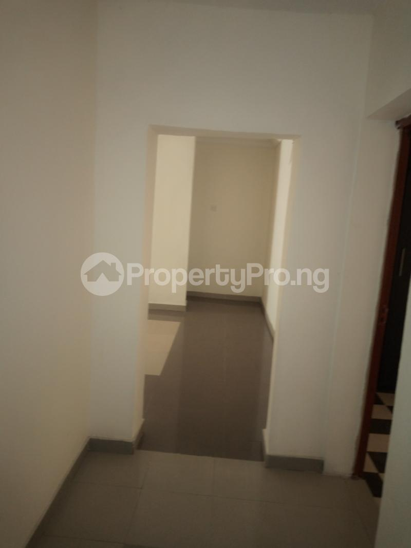 2 bedroom Flat / Apartment for rent off Cole street, by Olufemi off Ogunlauna Drive Ogunlana Surulere Lagos - 10