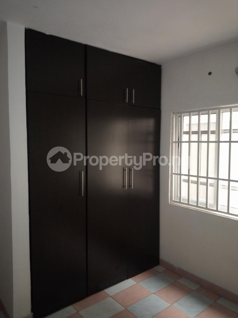 2 bedroom Flat / Apartment for rent off Cole street, by Olufemi off Ogunlauna Drive Ogunlana Surulere Lagos - 12