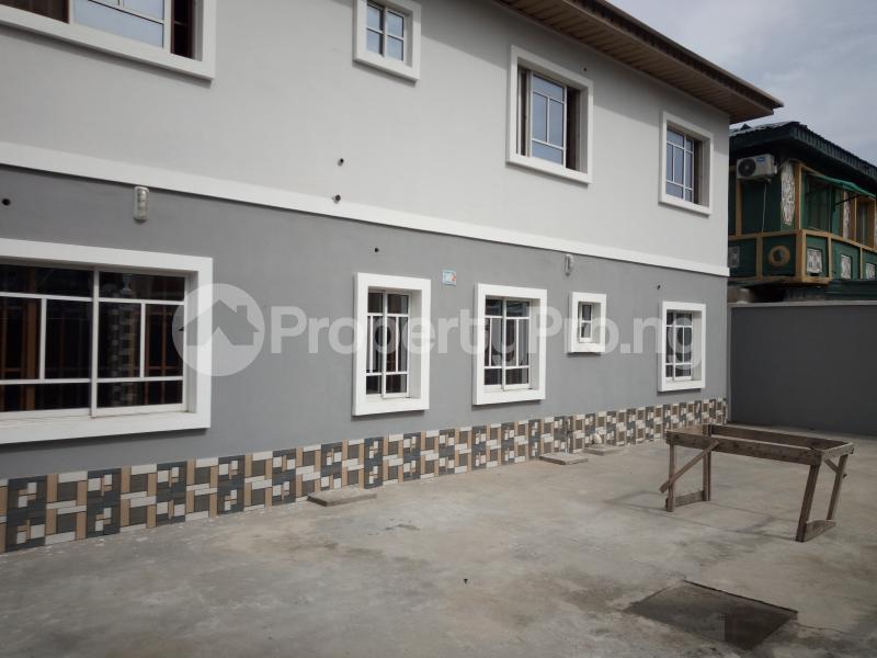 2 bedroom Flat / Apartment for rent off Cole street, by Olufemi off Ogunlauna Drive Ogunlana Surulere Lagos - 2