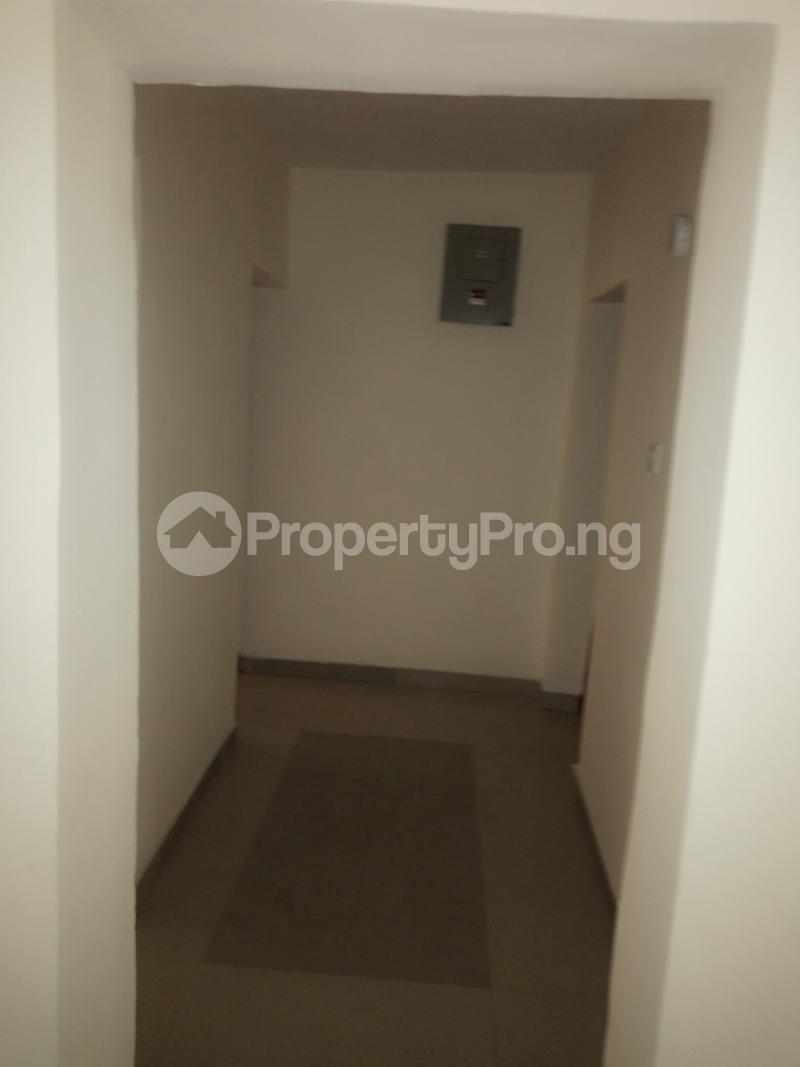 2 bedroom Flat / Apartment for rent off Cole street, by Olufemi off Ogunlauna Drive Ogunlana Surulere Lagos - 11