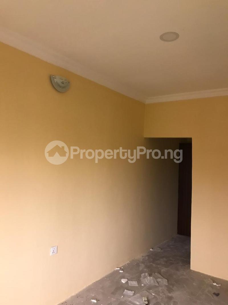 1 bedroom Blocks of Flats for rent Magboro Via Berger Along Lagos Ibadan Expressway Ogun State. Magboro Obafemi Owode Ogun - 5