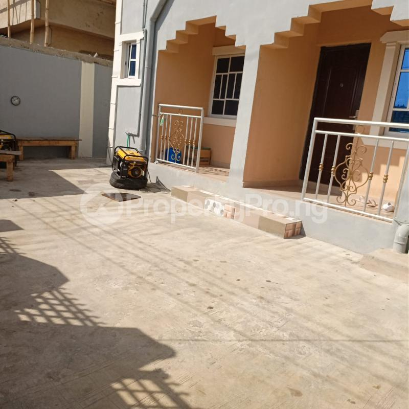2 bedroom Flat / Apartment for rent Fadeyi Shomolu Lagos - 2