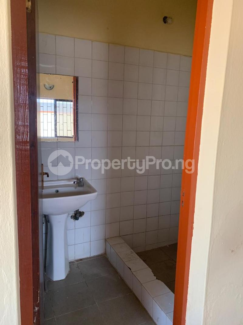 5 bedroom Semi Detached Duplex House for rent  Magodo GRA Estate,Phase 2 Lagos. Magodo GRA Phase 2 Kosofe/Ikosi Lagos - 12