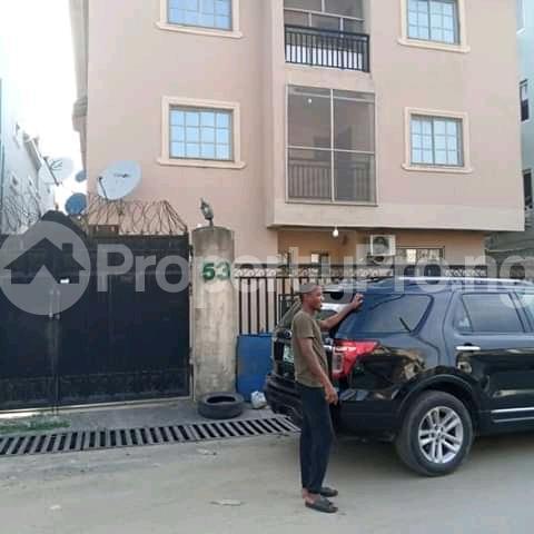 3 bedroom Blocks of Flats House for sale Alagomeji yaba Alagomeji Yaba Lagos - 1