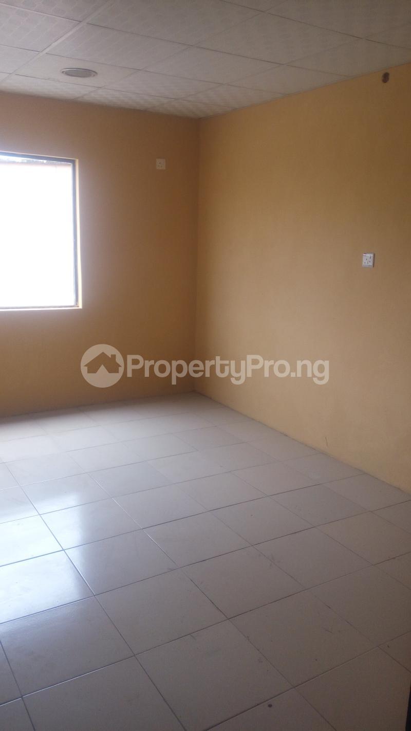 Self Contain for rent Oke Afa Isolo. Lagos Mainland Oke-Afa Isolo Lagos - 2