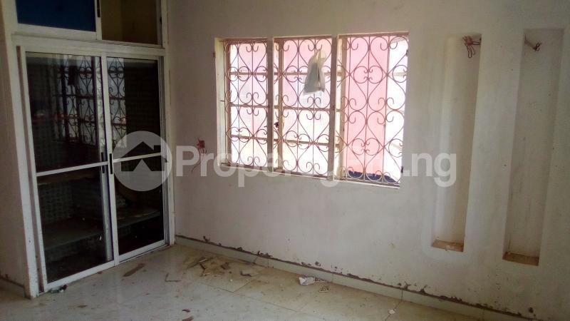 Self Contain Flat / Apartment for rent ... Jibowu Yaba Lagos - 3