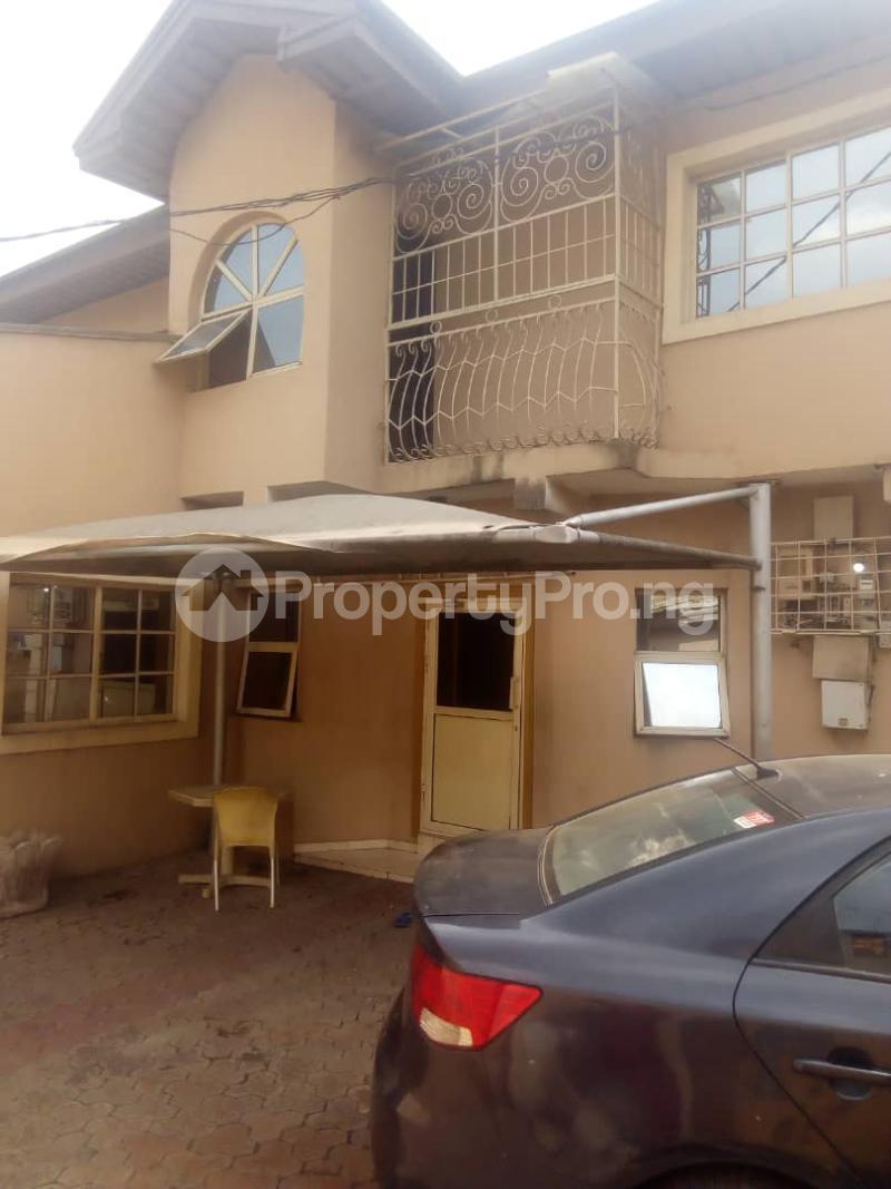 4 bedroom Semi Detached Duplex House for rent Alimosho by akowonjo dopemu Akowonjo Alimosho Lagos - 2
