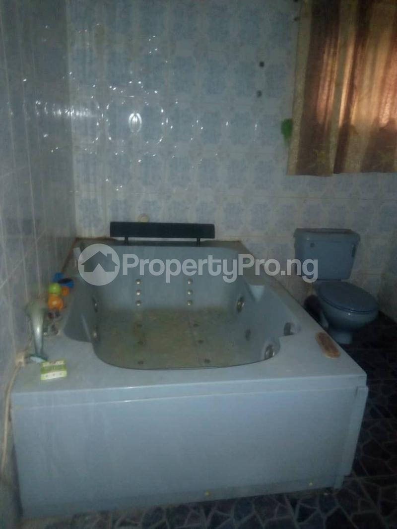 4 bedroom Semi Detached Duplex House for rent Alimosho by akowonjo dopemu Akowonjo Alimosho Lagos - 16